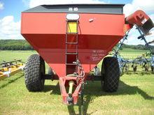 BII 528 Auger Wagon