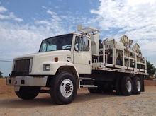 2000 Freightliner FL80 T/A Flat