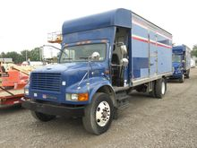1999 IH 4700 Box Truck