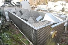 Water cooling tank for poultry
