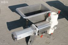 Pneumatic waste transporting sy