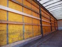 2004 Schmitz Cargobull curtains