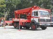 1992 Truck-Mounted Boom Lifts :