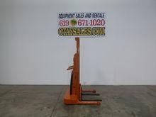 1983 BIG JOE 1,500LB 1518-T11 E