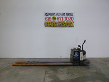2004 CROWN 8,000LB PE4500 ELECT