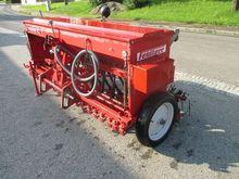 Field DM 250 sowing machine
