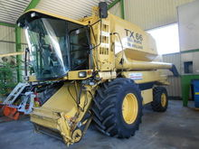 1998 New Holland TX 66 combine