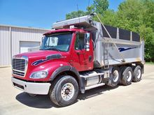 2011 Freightliner® BUSINESS CLA