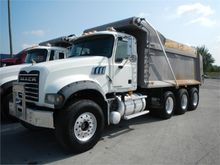 2008 Mack Trucks GRANITE GU713