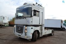 Used 2002 RENAULT Re