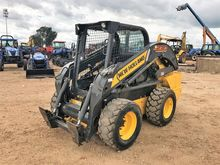 2015 NEW HOLLAND L230