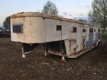 2000 HOMEMADE Horse Trailers
