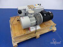 Pfeiffer UNO 200 Vacuum pump ma
