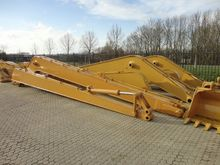 2015 Long reach boom to fit Cat