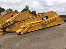 2016 Caterpillar 390 Long Reach