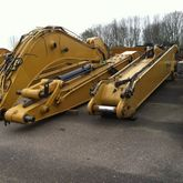 2016 Caterpillar 385 Long Reach