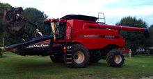 2010 Case IH 7120 with Macdon 3