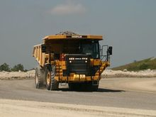 CAT 775G Off-Highway Truck