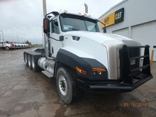 2014 CATERPILLAR CT660L