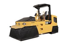 CAT CW14 Pneumatic Roller