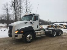 2013 CATERPILLAR CT660S