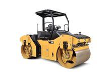 CAT CB44B Tandem Vibratory Roll