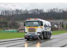2015 SCANIA Three-axis sweeper