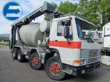 1990 VOLVO FL10 truck mixer / B