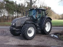 Used valtra t202d in