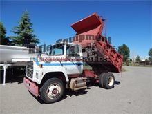 Used 1994 FORD 8000