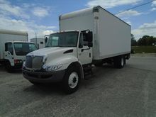 2012 Ihc 4300 24ft van w/Liftga