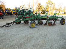 John Deere 3200 5 bottom pull-t