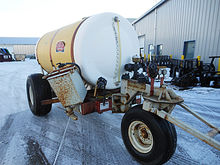 Demco 800 gallon tricycle nurst