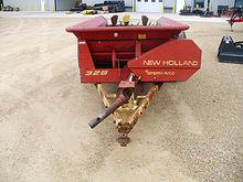 New Holland 328 138-bushel box