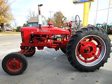1940 International H tractor, S