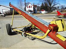 "Farm King 8"" X 31' electic moto"