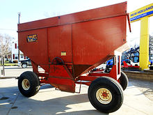 H & S 450 grain wagon with ligh