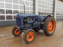 Fordson E27N