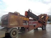 Extec Twin Axle 3 Way Screener