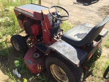 Wheel Horse C125 Lawn tractor