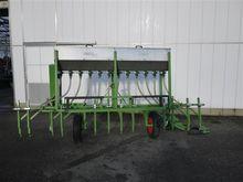 2001 Basrijs fertilizer 12 rows