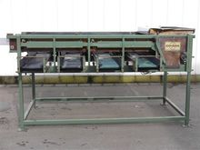 Compas vibrating screen pregrad
