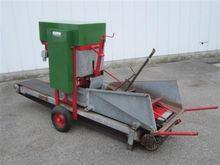 soil blocking machine