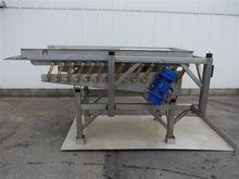 Gege vibrating table for beans
