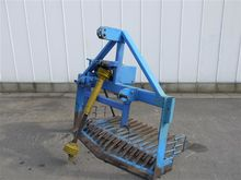 Bedlifter with single vibrating