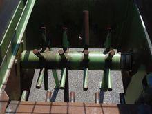 Heavy mixer breaker