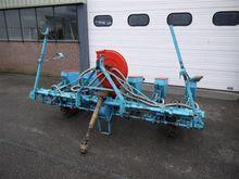 Monosem pneumatic sowing machin