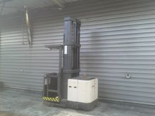 2003 Crown SP3012TL 6200 12077