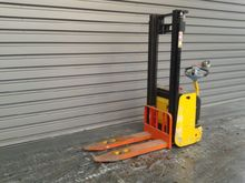 2004 Hyster S1,0 09988