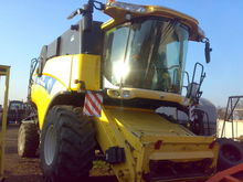 Used HOLLAND CX 820